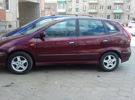 Nissan Almera Tino 2004 m., Sedanas