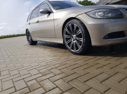 BMW 320 2007 m., Universalas