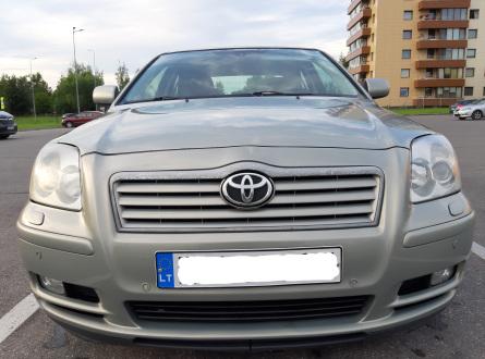 Toyota Avensis 2004 m., Sedanas